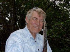 Jack_Phillips_and_banjo.jpg